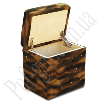 Классический раскладной пуфик для прихожей или спальни.  Оригинальный дизайн, декорация позолочеными гвоздями...